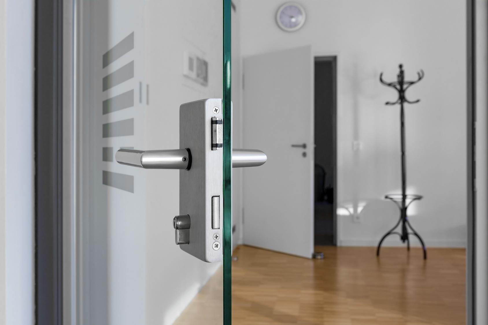 Znalezione obrazy dla zapytania drzwi szklane